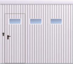 Brama przesuwna podwieszana jednoskrzydłowa wypełniona blachą T-10, układ wypełnienia pionowy, brama zdrzwiami przejściowymi orazokienkami wukładzie poziomym skal